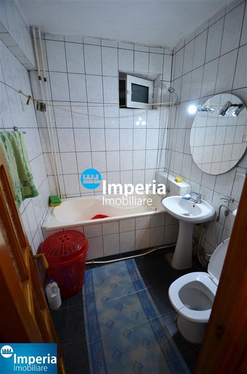 Apartament 2 camere de vanzare in zona Podu Ros