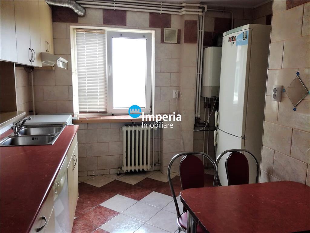Apartament 3 camere,de inchiriat,Podu RosPalas