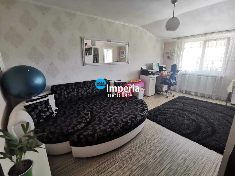 Apartament 3 camere, decomandat, de vanzare, Alexandru cel Bun