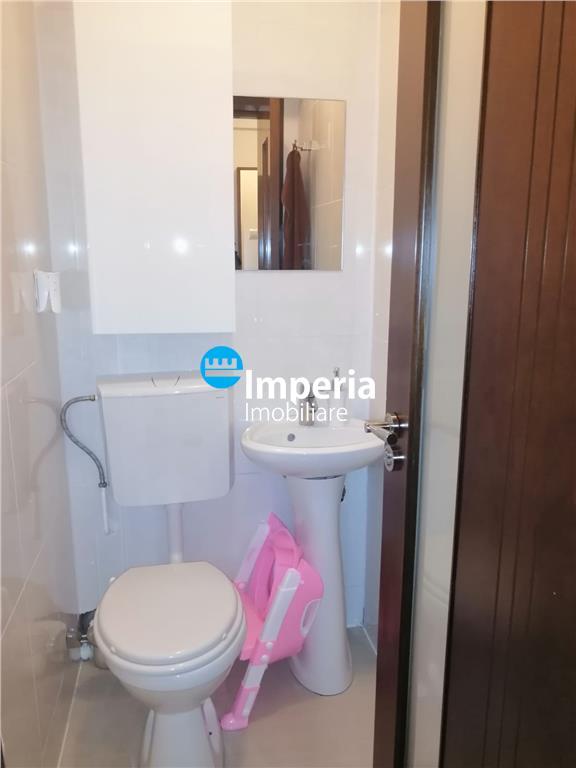 Apartament 3 camere decomandat de vanzare Tatarasi