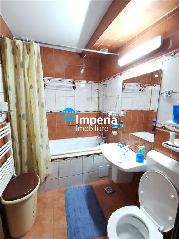 Inchiriez apartament 3 camere, decomandat, zona Copou  Parc Copou