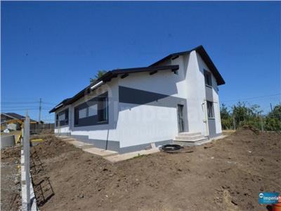Casa de vanzare in Iasi Miroslava la strada principala la ASFALT, 2017