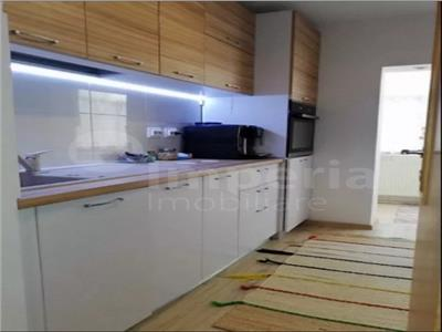 Apartament 3 camere de vanzare - Pacurari - Petru Poni
