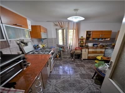 Apartament cu 2 camere de vanzare in zona Podu Ros - Cantemir
