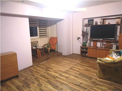 Apartament cu 3 camere, de vanzare in Iasi, zona  Nicolina CUG