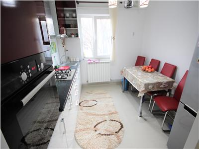 apartament cu 3 camere de vazare in zona podu ros Iasi