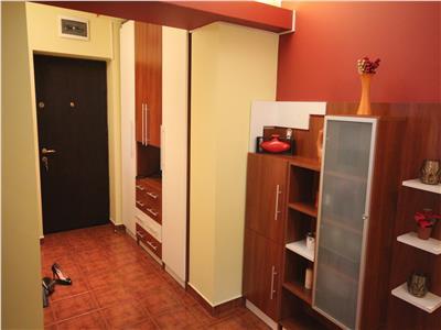 Apartament cu 3 camere, de vanzare, in zona Nicolina - CUG