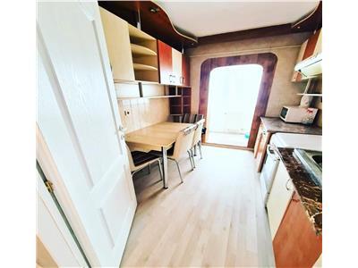 Apartament cu 2 camere de vanzare in zona Podul de Fier
