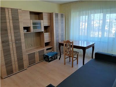inchiriez apartament 3 camere, d, zona independentei,umf,piata unirii Iasi
