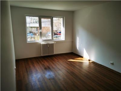apartament cu 3 camere decomandat de vanzare tatarasi Iasi