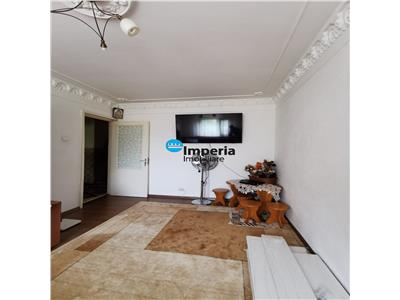 Apartament 3 camere decomandat de vanzare Tatarasi  Metalurgie