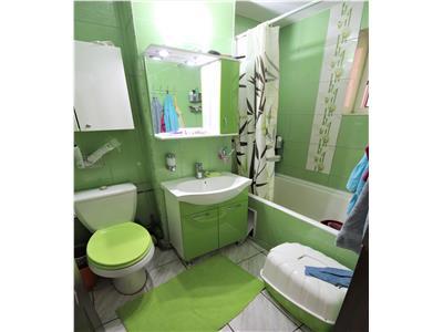 Apartament cu 2 camere decomandat in Podu Ros