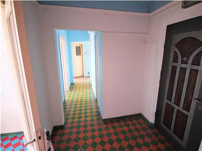 Apartament 3 camere decomandat in Podu Ros