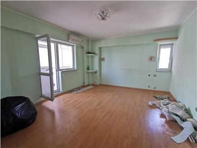 partament 4 camere transformat in 3 zona pacurari - omv Iasi