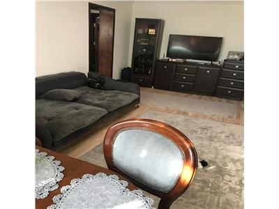 apartament 4 camere, semidecomandat, gara Iasi