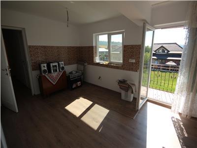 apartament cu 3 camere amenajat, de vanzare la casa, teren in proprietate Sorogari