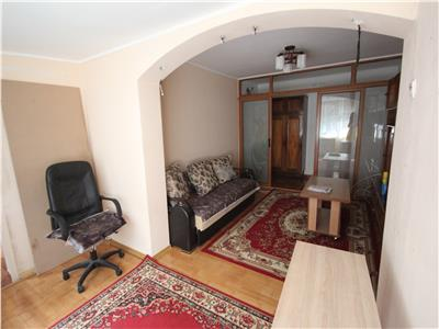 Apartament cu 2 camere, decomandat, de vanzare, in zona Alexandru cel Bun