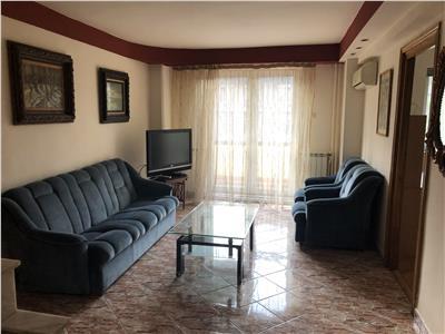 inchiriez apartament 3 camere, centru - casa cartii Iasi
