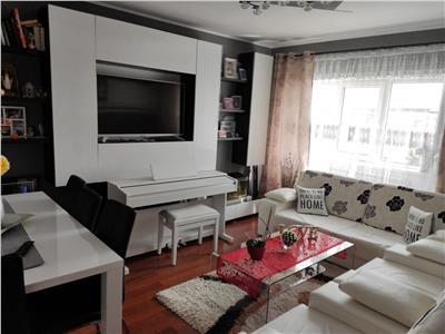 apartament 4 camere, decomandat, de vanzare, dacia Iasi