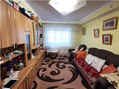 apartament 3 camere de vanzare canta Iasi