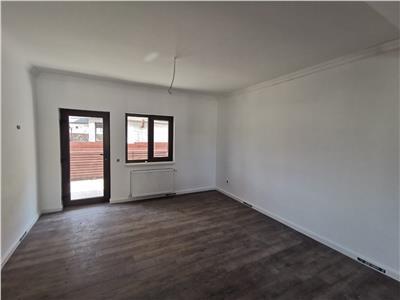 Casa tip Duplex de vanzare, 3 camere, in Iasi zona Barnova