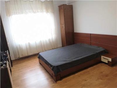 Apartament 2 camere de vanzare in Podul de Fier