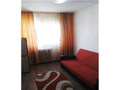 Apartament 3 camere, semidecomandat, de vanzare, Mircea cel Batran