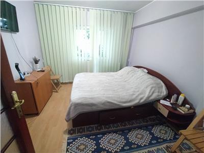 Apartament 4 camere, decomandat, de vanzare, Dacia