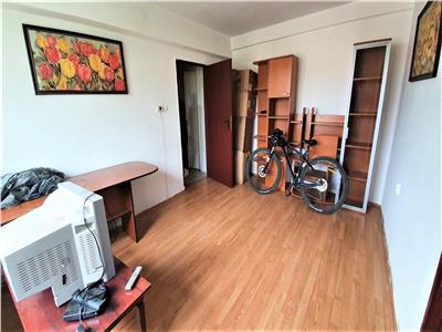 Apartament 3 camere de vanzare in Tudor Vladimirescu, Iasi