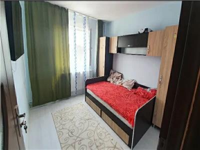 Apartament 2 camere, semidecomandat, de vanzare, Zimbru