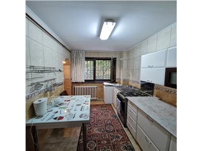 Apartament 3 camere decomandat de inchiriat Copou