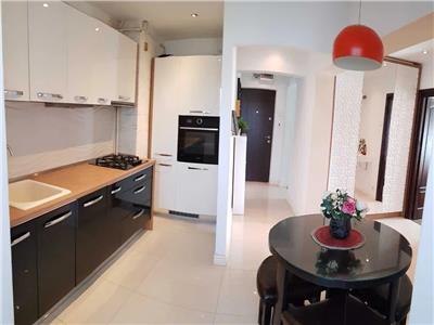 apartament 3 camere, decomandat, de inchiriat, ultracentral Iasi
