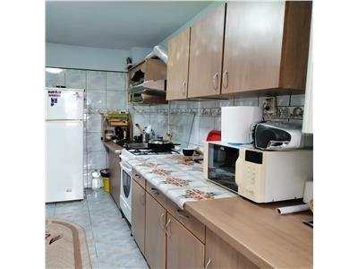 apartament 3 camere decomandat, de vanzare tatarasi-metalurgie Iasi