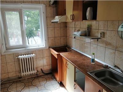 apartament 4 camere decomandat podu ros - palas Iasi