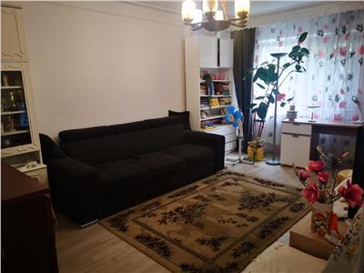 Apartament cu 3 camere, etaj intermediar, de vanzare in Iasi zona Nicolina - Prima Statie